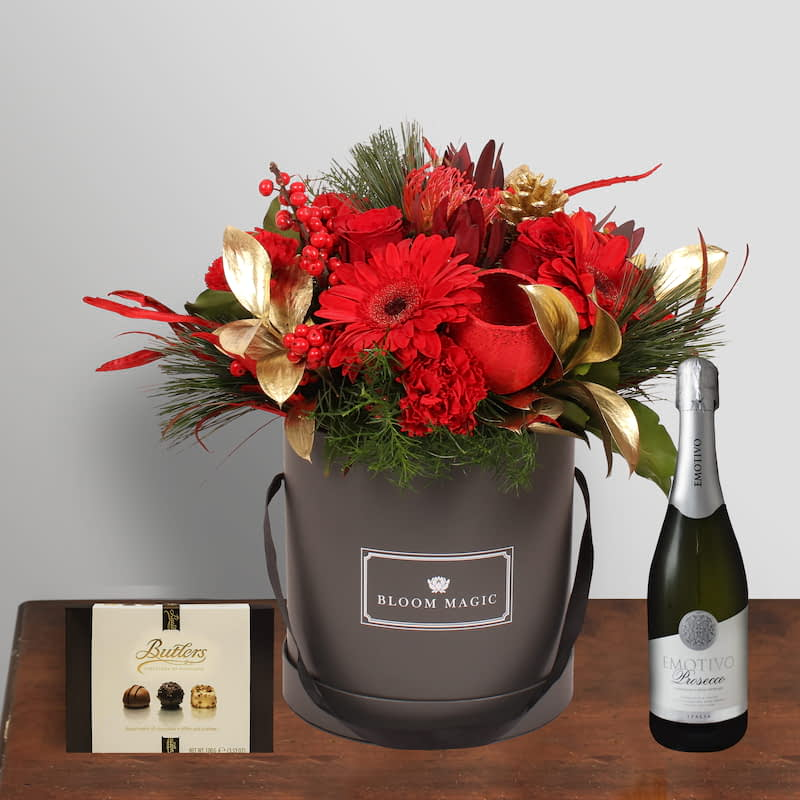 Vixen Gift Set Flowers Delivered -