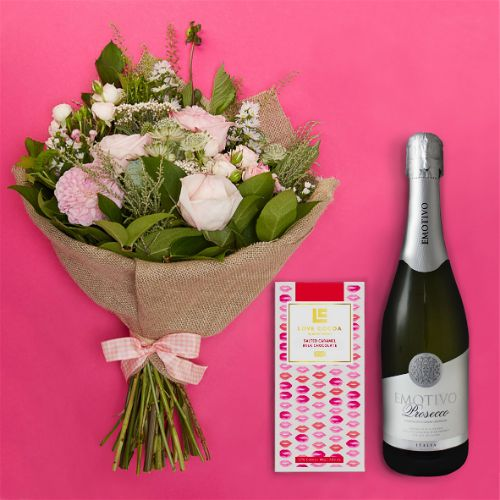 Sweet Santa Barbara Gift Set Flowers Delivered - Tender shades of pink roses and blushes of scabiosa give this carefully arranged bouquet a sweet and romantic feel. The Sweet Santa Barbara is definitely one of our most popular flower bouquets. 