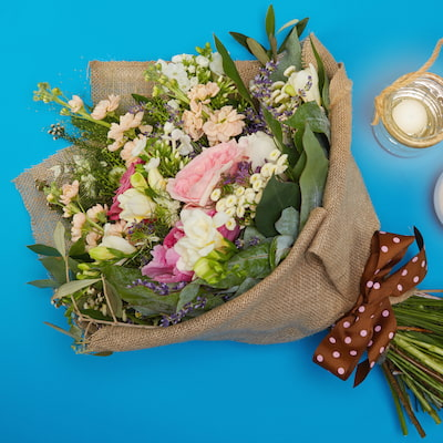 The Yosemite Splendor Flowers Delivered - Bouquet of roses, freesia and herbs