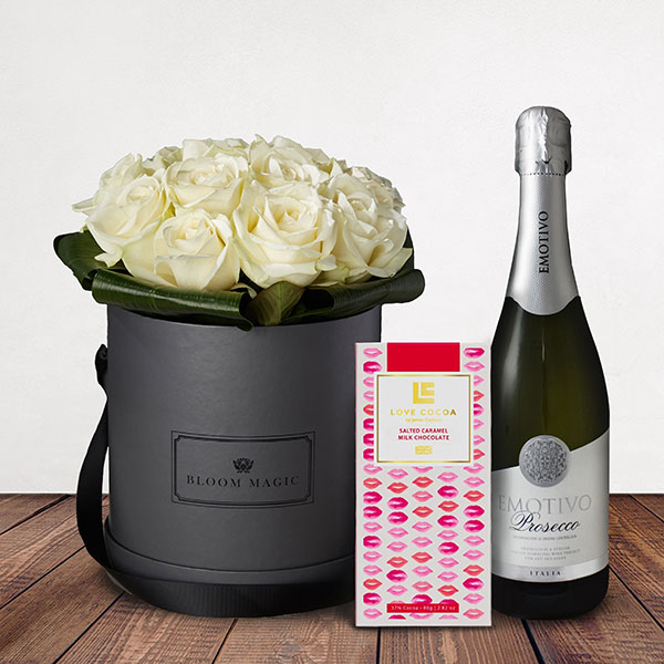 La Nuit Blanche Gift Set Flowers Delivered - Beautiful selection of top quality white roses that comes in a charcoal grey or powder blue hat box. This is a beautifully luxurious flower arrangement that would make a perfect gift for any loved one. 