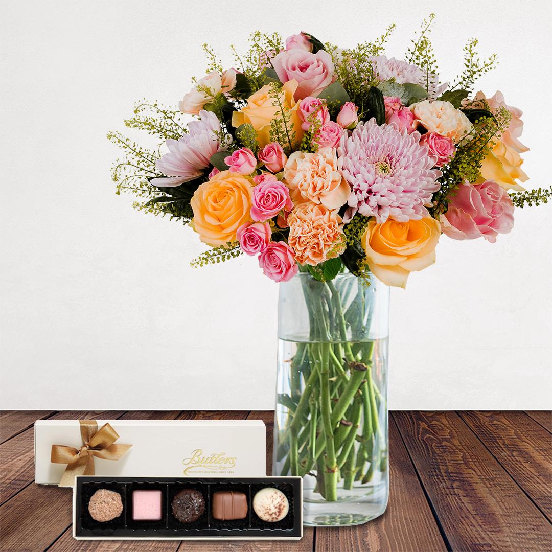 Bloom Magic - Parc Floral De Paris - Vase & Chocolate Bundle
